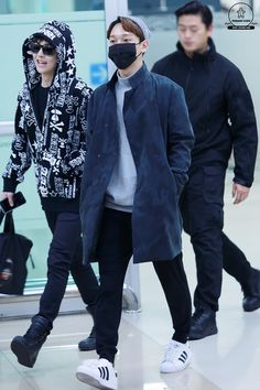 Chen - 141121 Gimpo Airport, arrival from Tokyo Credit: Mon Ami Chen. (김포공항 입국)
