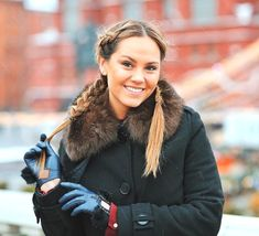 Gorgeous Hairstyles, Driving Gloves, Leather Gloves, Fur Trim, Pretty Girls, Fur Coat, Women's Fashion, Coats, Hair Styles