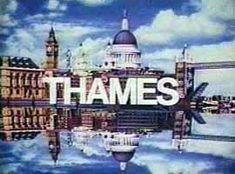 Thames logo. Qué buenas series,las inglesas.