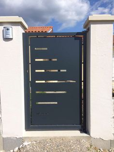 Discover recipes, home ideas, style inspiration and other ideas to try. Steel Gate Design, Front Gate Design, Main Gate Design, Door Gate Design, House Gate Design, House Front Design, Fence Design, House Front Gate, Front Gates