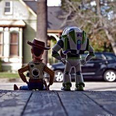Woody y Buzz. Excelente.