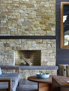 Stone wall with ledge Sandstone Fireplace, Outdoor Stone Fireplaces, Outdoor Fireplace Designs, Concrete Fireplace, Fireplace Hearth, Fireplace Ideas, Fireplace Feature Wall, Stone Feature Wall, Stone Bbq