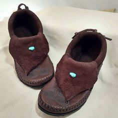 Inca moccasins with custom art etching  www.treadlightgear.com  #treadlight #treadlightgear #moccasins