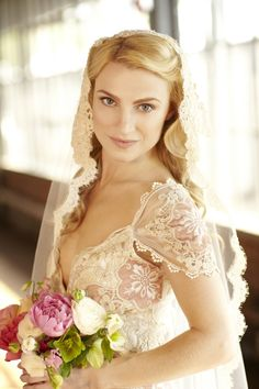Beautiful #veil. Runway to Reality Inspiration Shoot featuring Claire Pettibone's Genevieve from Kristy Rice, via Chic Vintage Brides.