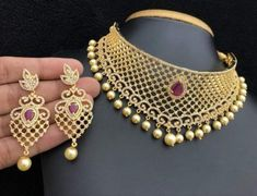 10 Top one gram gold chokers with price. Buy 1 Gram gold chokers necklace with earrings with best price. Gold Bangles Design, Gold Jewellery Design, Women's Jewelry Sets, Women Jewelry, Diy Jewelry, Jewlery, Gold Jewelry Simple, Simple Necklace, Necklace Set