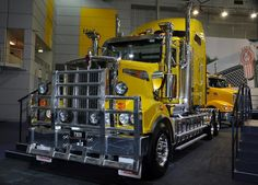 Love the Yellow on this KW!
