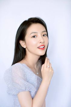 A Love So Beautiful, Beautiful Chinese Girl, Preety Girls, Chinese Actress, Asian Actors, Photo Poses, Girl Pictures, Cute Couples, Cute Dresses