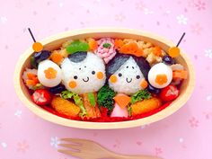 More sausage bunnies bento Cute Bento Boxes, Bento Box Lunch, Japanese Food Art, Japanese Style, Japanese Lunch, Bento Recipes, Bento Ideas, Kawaii Bento, Sushi Art