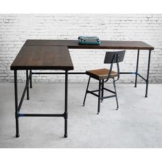 Reclaimed Wood L Desk, Solid Wood Corner Desk, Office Desk with iron pipe legs. Choose size, wood thickness, return side and finish. Shape Reclaimed, Reclaimed Wood Furniture, Salvaged Wood, Recycled Wood, Pallet Wood, Barn Wood, Wood Corner Desk, Custom Desk, Custom Tables