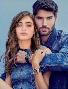 Gwen van Meir and Nick Bateman front Guess' spring-summer 2018 accessories campaign. Couple Photoshoot Poses, Couple Photography Poses, Couple Posing, Couple Portraits, Couple Shoot, Romantic Couples, Cute Couples, Ugly Love, Couples Modeling