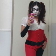 #halloween #halloweencosplay #halloween2015 #harleyquinn #cosplay #cosplaymakeup #paintedmask