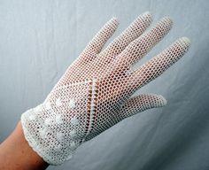 Vintage Fishnet Crochet Steampunk White Gloves by RogueRetro, $25.00 Crochet Gloves Pattern, Mittens Pattern, Knitted Gloves, Fingerless Gloves, Hand Gloves, Dress Gloves, Vintage Gloves, Crochet Sandals, Wedding Gloves
