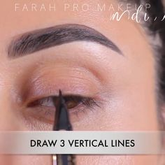 The best & easiest ways to achieve a sharp winged liner and rock it! Perfect Winged Eyeliner, Winged Eyeliner Tutorial, How To Apply Eyeliner, Winged Liner, Easy Eyeliner, Tips For Winged Eyeliner, How To Do A Cat Eye With Liquid Eyeliner, Eyeliner For Almond Shaped Eyes, Simple Eyeliner Tutorial