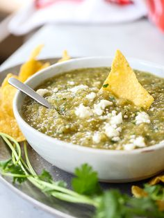 How to make Salsa Verde - plus 49 more fabulous Hatch Chile Recipes! Salsa Verde, Salsa Picante, Tomatillo Sauce, Roasted Tomatillo, Hatch Chile Salsa, Hatch Chili, Mexican Dishes, Mexican Food Recipes, Mexican Meals