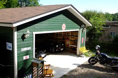 Garage Cafe, Barn Garage, Garage House, Motorcycle Garage, Motorcycle Workshop, Garage Workshop Plans, Car Shop, Man Cave, Shed