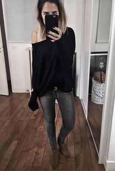 black top and jeans simple ans stylish look