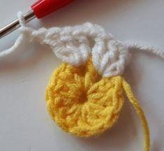 Örgü Bebek Battaniye - Mimuu.com Crochet Afgans, Baby Afghan Crochet, Baby Afghans, Crochet Granny, Crochet Blocks, Crochet Squares, Crochet Flower Patterns, Crochet Flowers, Cross Stitch Flowers