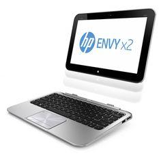 Esta es la PC híbrida ultradelgada HP ENVY x2, incorpora dos equipos en un moderno y ligero dispositivo. Es una portátil con pantalla removible, se convierte en una tablet completa al separarla del teclado por medio de un innovador cierre magnético que la fija delicadamente en posición. Pesa 1.4 kg y al separarla, la parte de la tablet pesa 680 g. El usuario puede interactuar directamente con la interfaz táctil de windows 8