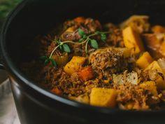 Pitkään haudutettu nyhtökaurapata – Ida's Cozy Corner I Love Food, Pot Roast, Vegetarian Recipes, Veggies, Beef, Cozy Corner, Vegan, Ethnic Recipes, Carne Asada
