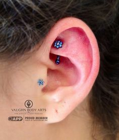 Alexis stopped by for a rook piercing. How cute does this jewelry look?! She chose this anatometal 14g curved barbell with a threaded flower...