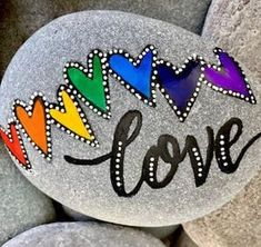 Here's a list of 15 painted rock ideas to help inspire you! If you're looking for easy painted rock ideas then we've got everything from fish designs, owls, and much more. Blue Fishes Rock Daisy Smile Rock Rainbow Love Hearts Rock Owl Rock Disney's Up. Stone Art Painting, Pebble Painting, Pebble Art, Body Painting, Rock Painting Patterns, Rock Painting Designs, Paint Designs, Rock Painting Pictures, Rock Painting Ideas Easy