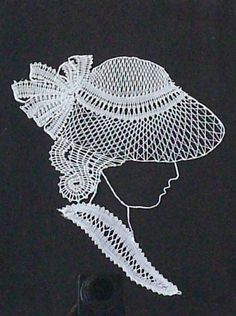 Mujer con sombrero Scrap Quilt Patterns, Lace Patterns, Needle Lace, Bobbin Lace, Nail String Art, Lace Art, Lacemaking, Parchment Craft, Embroidery Designs