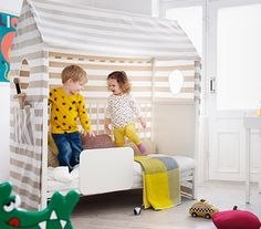 This Cool Crib Is like a Dollhouse