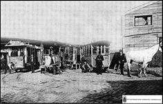 İşte Dingo'nun Ahırı... Dingo adındaki bir gayr-i müslim İstanbullunun, tramvay atlarının dinlendirilmesi için işlettiği ahır... Hangi atın girip çıktığı önemsiz ve belirsiz olduğu için günümüzde Dingo'nun ahırı mevcut anlamını taşır... Historical Pictures, Old City, Once Upon A Time, Istanbul, Nostalgia, Old Things, History, Retro, World