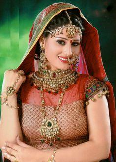 Aaima Qaiser Complete Indian Bridal Jewellery Set Handmade Alloy Kundan and Rhinestones Gold Green Red