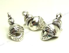 2 Bears charms antique silver tone A3