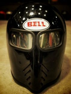 cross between vintage Boneville speed record helmet and medieval helm. Classic Motorcycle Helmet, Custom Motorcycle Helmets, Custom Helmets, Racing Helmets, Motorcycle Gear, Bike Helmets, Vintage Bicycles, Vintage Motorcycles, Bobber Custom