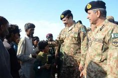 Army chief visits flood hit Layyah, examines rescue, relief operations | Pakistan | Dunya News