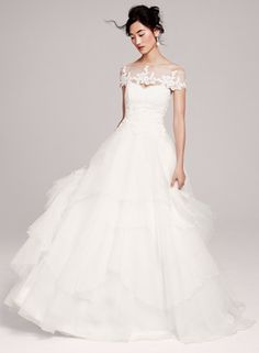 Hayley Paige Gown  http://rstyle.me/n/fhm4ypdpe