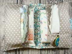 Windeltaschen - Große Windeltasche / Wickeltasche für unterwegs - ein Designerstück von dieBuntnaeherei bei DaWanda