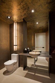 New York House by Sergio Mercado Design / lavabo / tons escuros / bathroom