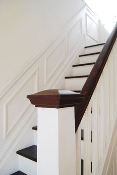 Gorgeous 58 Unique Staircase Design Ideas That Adds To Luxury Of Your Home. Stained Staircase, Painted Staircases, Floating Staircase, Edwardian Staircase, Edwardian Hallway, Stair Paneling, Stair Banister, Banisters, Panelling