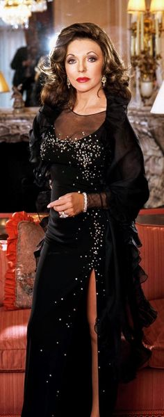 Joan Collins Collection Dame Joan Collins, Jackie Collins, Hollywood Glamour, Hollywood Actresses, Linda Evans, Diahann Carroll, Bonnie Tyler, Nyc, Actrices Hollywood