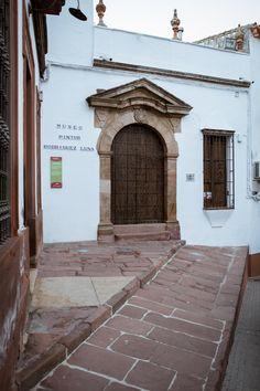 Museo Antonio Rodríquez Luna, pintor nacido en Montoro en 1910 y exiliado en México. Está situado en Plaza del Charco, s/n, Montoro (Córdoba).