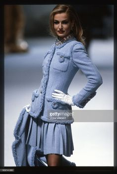 Model Karen Mulder walks the runway during the Chanel fall/winter 1991 couture s. - Model Karen Mulder walks the runway during the Chanel fall/winter 1991 couture show in Paris. Look Fashion, 90s Fashion, Runway Fashion, High Fashion, Fashion Show, Vintage Fashion, Fashion Outfits, Womens Fashion, Fashion Design