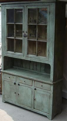 Primitive flat back cupboard with 12 panes. Farmhouse Style Bedrooms, Farmhouse Bedroom Decor, Farmhouse Style Kitchen, Rustic Kitchen, Primitive Cabinets, Primitive Furniture, Country Furniture, Furniture Plans, Kids Furniture