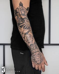 Tattoos And Body Art tattoo artist pictures Forarm Tattoos, Forearm Sleeve Tattoos, Best Sleeve Tattoos, Tattoo Sleeve Designs, Tattoo Designs Men, Body Art Tattoos, Half Sleeve Tattoos For Men, Forearm Tattoos For Guys, Mens Hand Tattoos