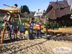 Plac zabaw - piaskownica  http://www.podreglami.pl/atrakcje/plac-zabaw-grill.html