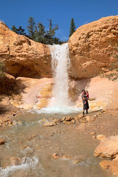 The Best Places to Explore (  Best Views) in Bryce Canyon Utah - CS Ginger Zion National Park, National Parks, Bryce Canyon Hikes, Visit Utah, Sunset Point, Utah Usa, Natural Bridge, Best Hikes, The Good Place