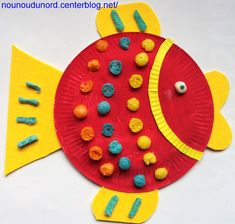 DIY Paper plate fish by nounoudunord Paper Plate Fish, Paper Plate Art, Paper Plate Animals, Paper Plate Crafts, Paper Plates, Paper Crafting, Diy Paper, Fish Crafts, Diy And Crafts