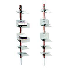 Revisteiro Eixo 7.  Design by Pedro Useche.  Eixo central em madeira cumaru, prateleiras em Alucobond prata e ferragens