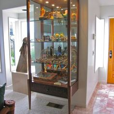 Custom Display Cabinet by Del Cover