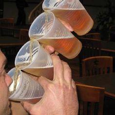 1 birra please ehm 2 birre no scusi 3 birre!!!!