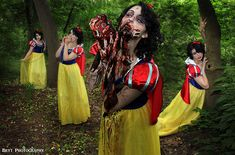 Zombie Snow White Shoot http://geekxgirls.com/article.php?ID=1276
