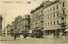 Ilyen is volt Budapest - Rákóczi út, a Hotel Orient az Akácfa utca sarkán Old Pictures, Old Photos, Budapest Hungary, Beautiful Buildings, Vintage Photography, Historical Photos, Emo, The Past, Louvre