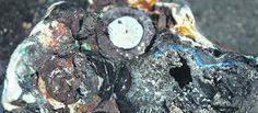 Hallan rocas de plástico en el mar por primera vez